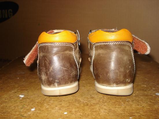 Если ребенок стаптывает обувь что делать