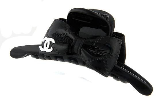 Новая и достаточно необычная женская сумка в стиле Шанель, сумки осень.