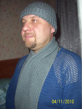 """Шапка связана  """"жемчужной резинкой """" а шарф просто жемчужным узором."""