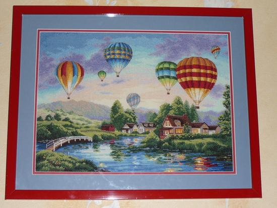 """BabyBlog.  Наталия.  Оформила в багет свою первую большую работу  """"Парад шаров """" (Baloon Glow) от Дименшнс."""