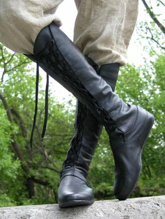 berkanar studio - Высокие сапоги со шнуровкой.  600x800