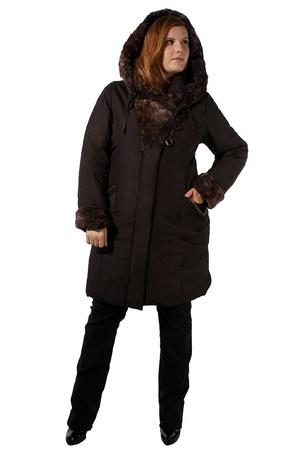 Пальто для женщин больших размеров.  Длина по спинке около 100 см...